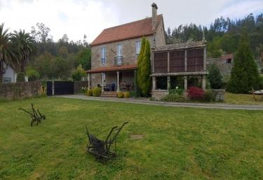 Casa Rural Francelos - Francelos (Encrobas, As), A Coruña