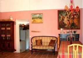 Salón-comedor y vistas a la cocina