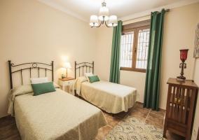 Habitación cama doble muy luminosa