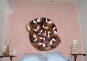 Cama de matrimonio de dormitorio doble de la casa rural