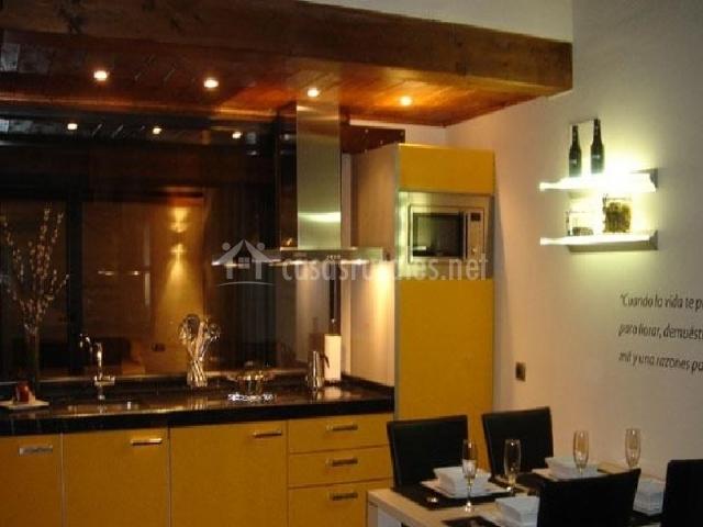 Casa rural tiempo de ensue o en cella teruel - Cocinas de ensueno ...