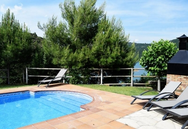 Casa Rural Junto al Lago - La Baronia De Rialb, Lleida