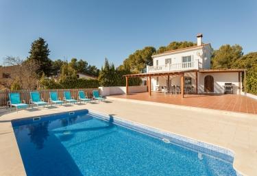 HHBCN Villa Evora - Olivella, Barcelona