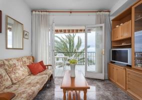 HHBCN Beach apartment Calafell