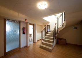 Recibidor y escaleras a la planta superior
