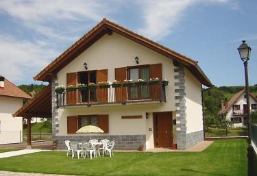Casa Rural Irugoienea - Espinal/aurizberri, Navarra