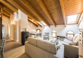 Apartamentos Vino Tinto- Ático Suite