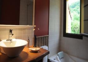 Bañera de hidromasaje en el cuarto