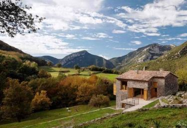 El Bosquet - Pueblo Montagut, Girona