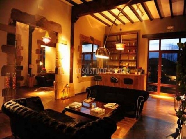 La posada del monasterio en silio cantabria - Barra bar salon ...