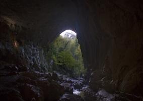 Cuevas de Lezate