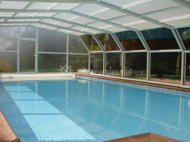 Casa rural can vila en sant julia del llor i bonmati girona - Casa rural con piscina cubierta ...