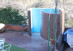 Jardín con ducha