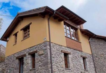 La Cabaña del Valleyu - Sotres, Asturias