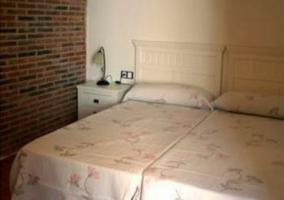 Dormitorio de matrimonio en tono blanco