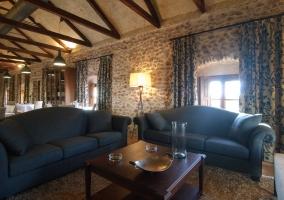 Zona de estar con sofás