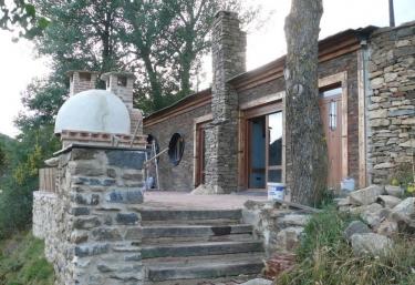 La Casa Enterrada - Alba De Los Cardaños, Palencia