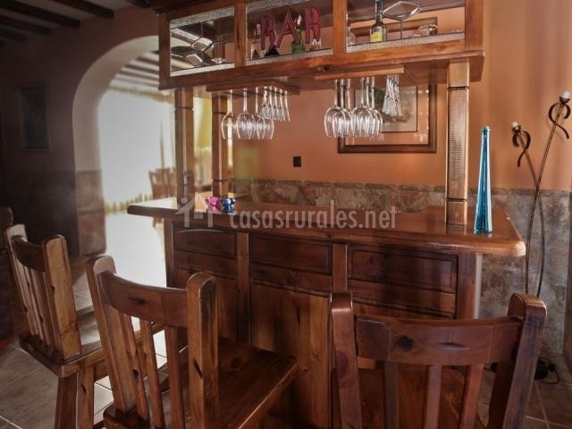 Cortijo la huertezuela la sierra en villafranca de - Barra bar salon ...