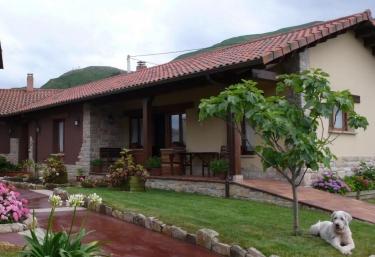 Apartamentos rurales La Calvera - Llames De Parres, Asturias