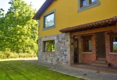 Magnífica casa rodeada de naturaleza - Treceño, Cantabria