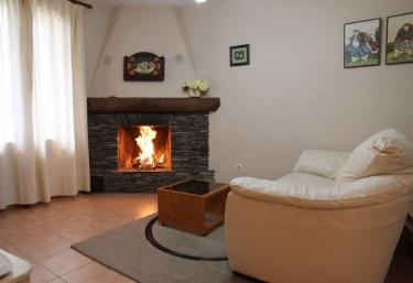 Casa Albá- Apartamento Berderól - Sahun, Huesca