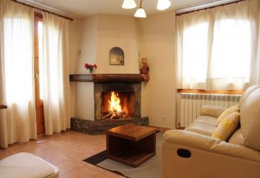 Casa Albá- Apartamento Engañapastor - Sahun, Huesca