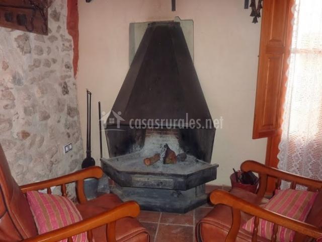 Casa rural calaceit en sant mateu castell n - Chimeneas en castellon ...