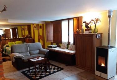 El Estudio- Apartamentos La Condesa - Valmeo, Cantabria
