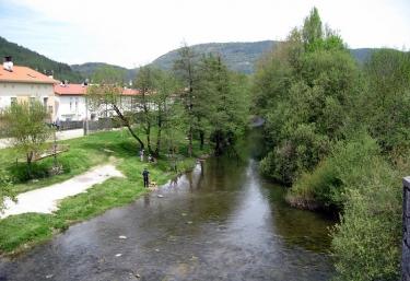 Albergue Palo de Avellano - Zubiri, Navarra