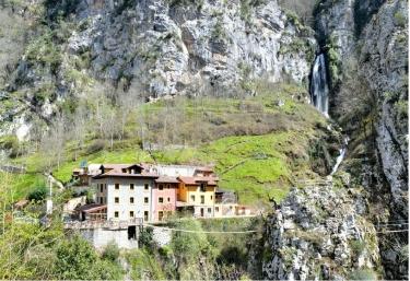 Apartamentos Cascada del Aguasaliu - Puente Vidosa, Asturias