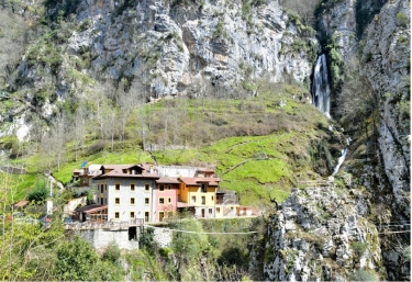 Cascada del Aguasaliu - Puente Vidosa, Asturias