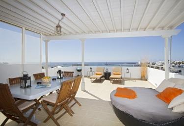 Lanzarote Retreats- Ocean View Penthouse - Costa Teguise, Lanzarote