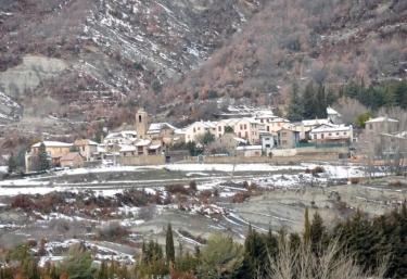 Zona del centro del pueblo nevado