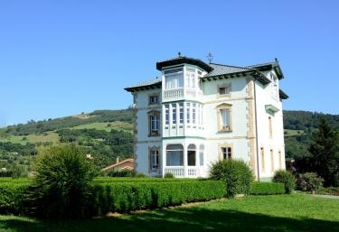 El Solar del Mazo- Habitaciones Deluxe - Rada, Cantabria