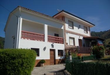 Casa Gonzalo - Miyares (Sariego), Asturias