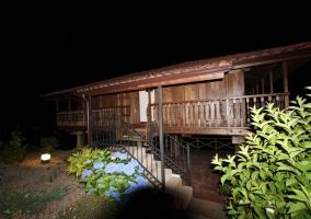 Uno de nuestros alojamientos por la noche