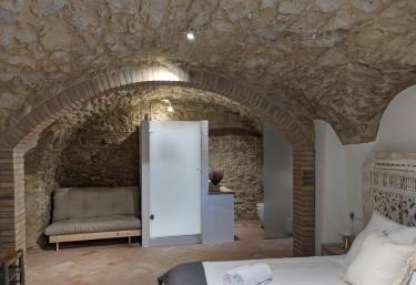 Can Puig Cave - La Pera, Girona