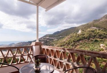 Alojamientos Monteverde-  2 dormitorios - Ojen, Málaga