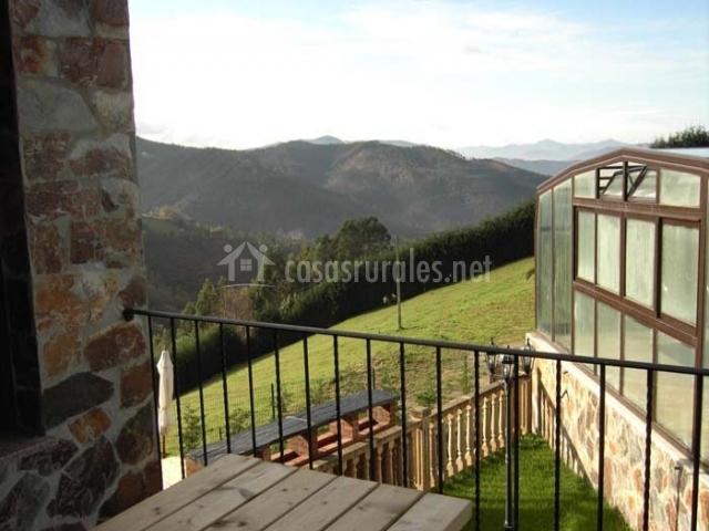 Apartamentos rurales el fresnu en silvamayor asturias for Terrazas rurales