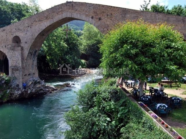 Puente romano de Cangas de Onis1.JPG