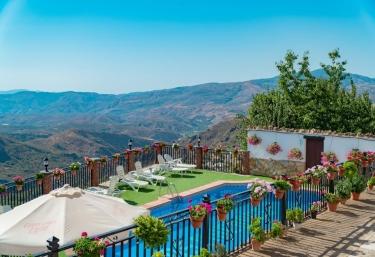 Alojamientos Macabes- Ciruelo - Mecina Bombaron, Granada