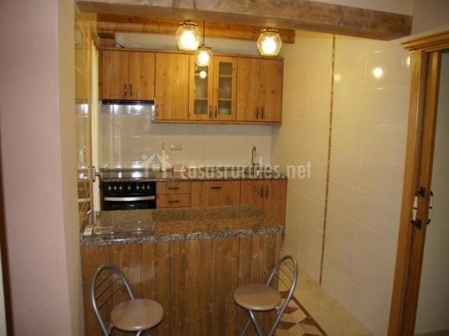 La rinconada de la sierra en almonacid de la sierra zaragoza for Barra cocina madera