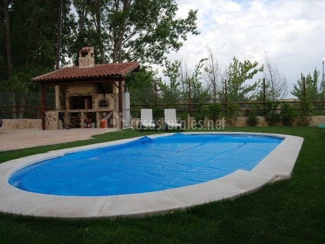 Estancia macondo casas rurales en zarzuela del monte segovia - Casa rural con barbacoa ...