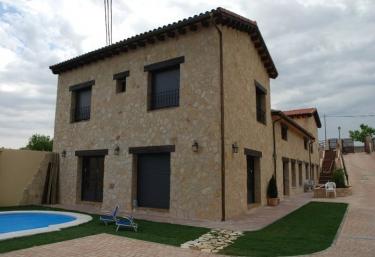 Estancia Macondo - Zarzuela Del Monte, Segovia