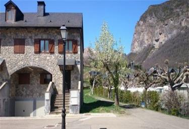 Casa Los Avellanos - Escarrilla, Huesca