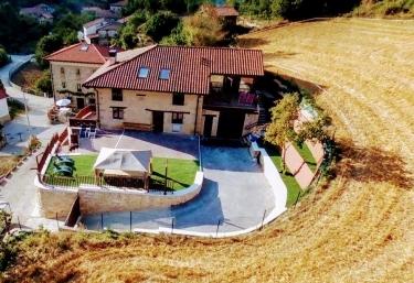 Casa Rural Tierra y Madera - Barrio, Álava