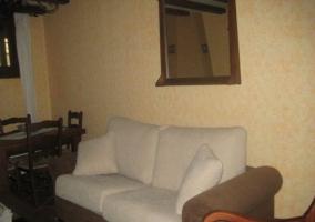 El sofá de la zona de estar