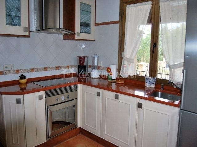 Casa las pozas en torre val de san pedro segovia for Pozas para cocina