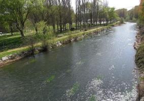 Río Tirón a su paso por Anguciana, a media hora de la casa rural