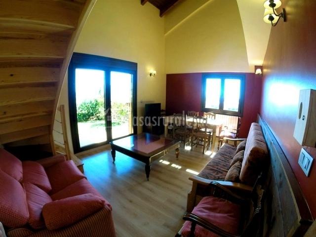 Casa oturia en jaca huesca for Sala de estar noche